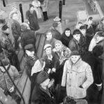 © Benoît Moreau - Ceux qui restent - Huile sur toile - 80 x 91 cm - 2014 - D'après un cliché du fond Yon Bergoin - Archives municipales de Fécamp